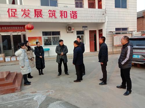 郑州市市场监管局实地调研驻村工作 走访慰问困难群众